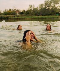 3 women wild swimming