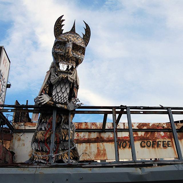 street art statue
