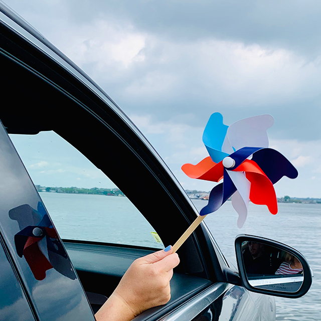 Memorial Day pinwheel in car