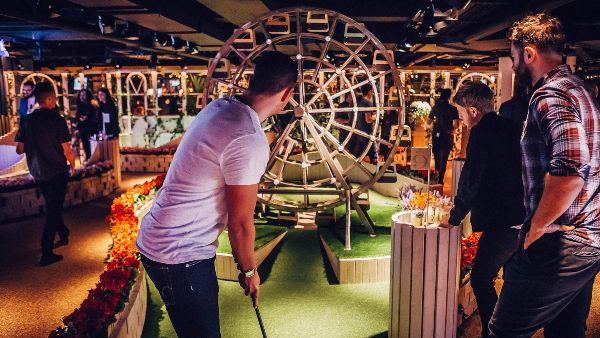 swingers crazy golf