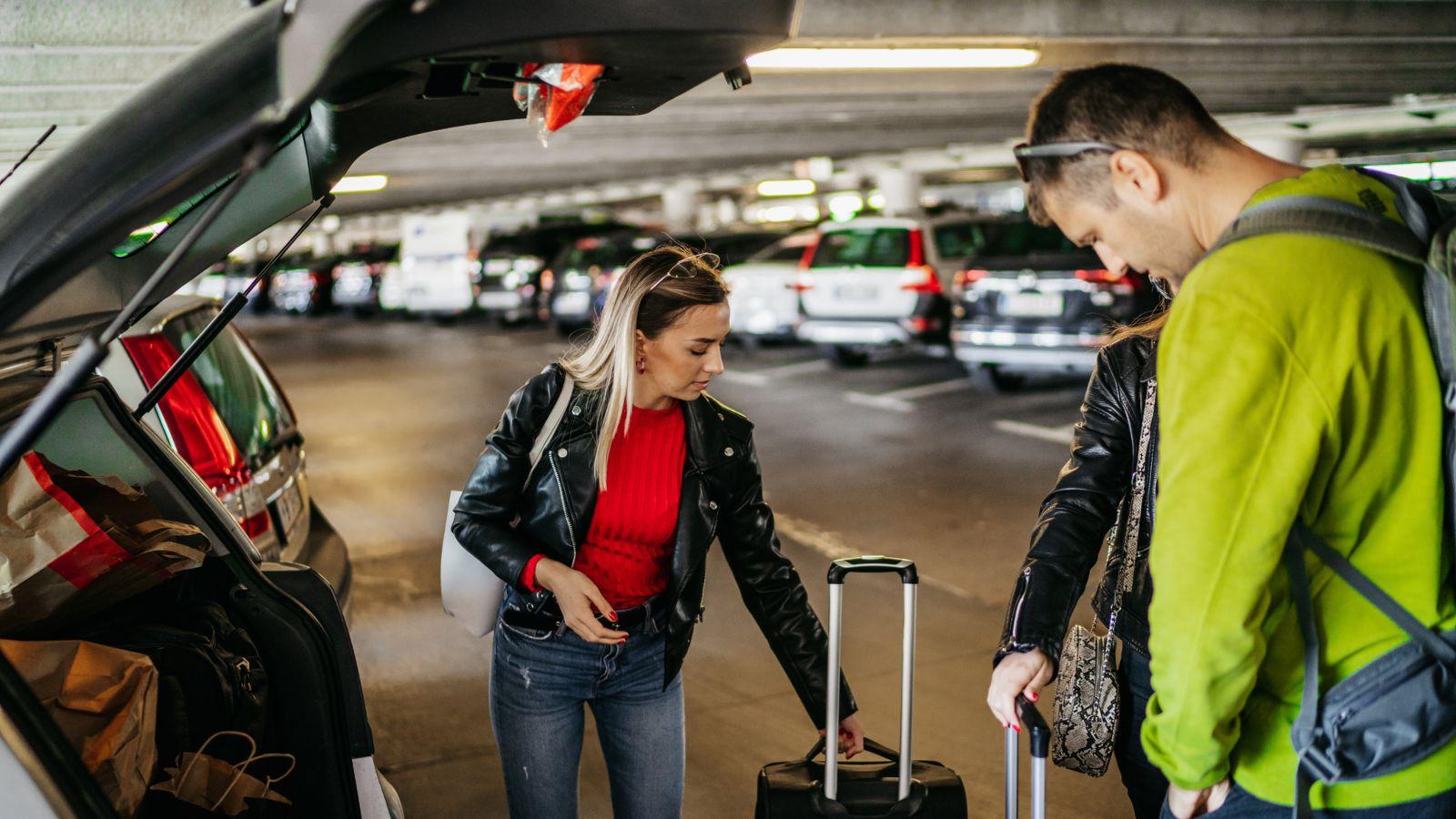 airport car park drop off