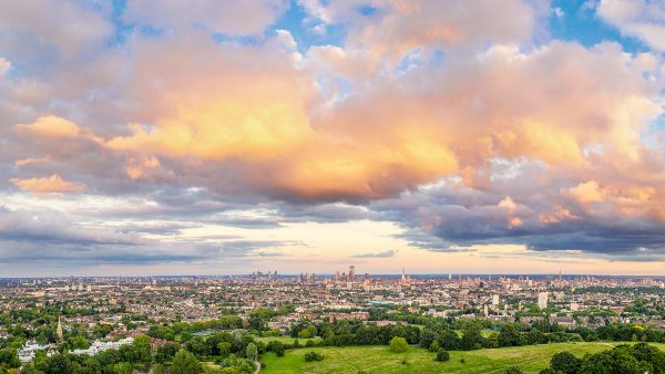 panoramic view of london from Hampstead heath