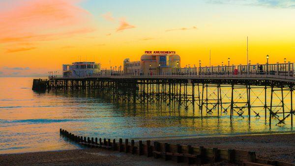 worthing pier at sunrise