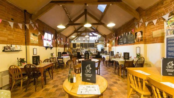 manor farm barn dining room